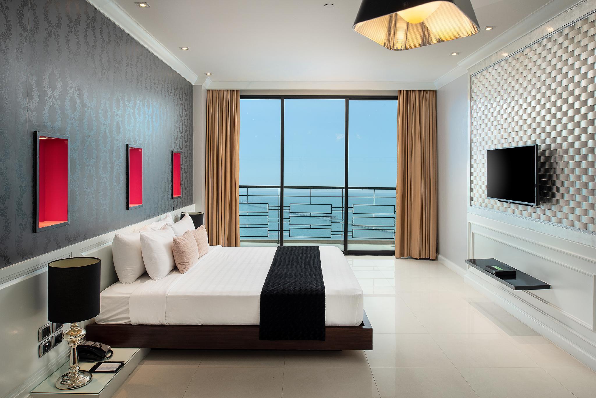 1 Bedroom Sea View Suite