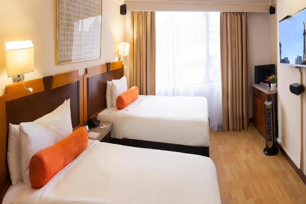 Run of House Lancaster House Suites Hotel