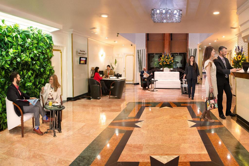 Lobby Lancaster House Suites Hotel