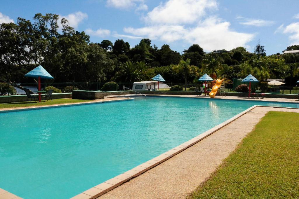 Swimming pool [outdoor] Haruru Falls Earth Citizens Retreat