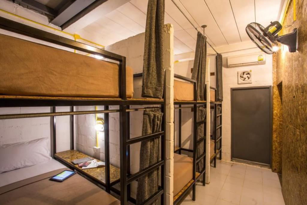 6-Bed Dormitory -- Mixed Koh Tao Loft Hostel