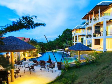 utomhuspool Tropica Villas Resort