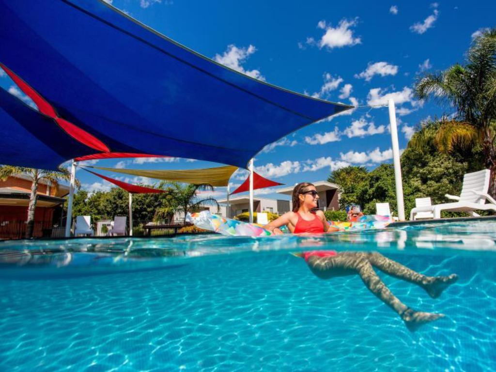 Discovery parks melbourne in australia room deals - Public salt water swimming pools melbourne ...