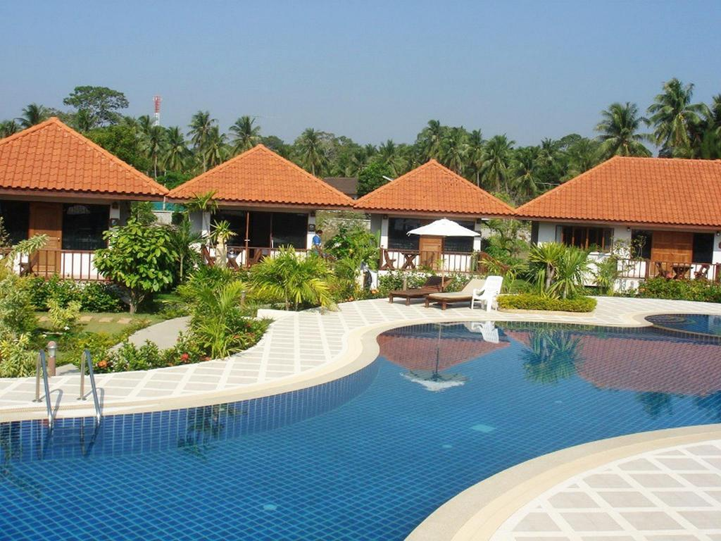 Sailom Bangsaphan Resort