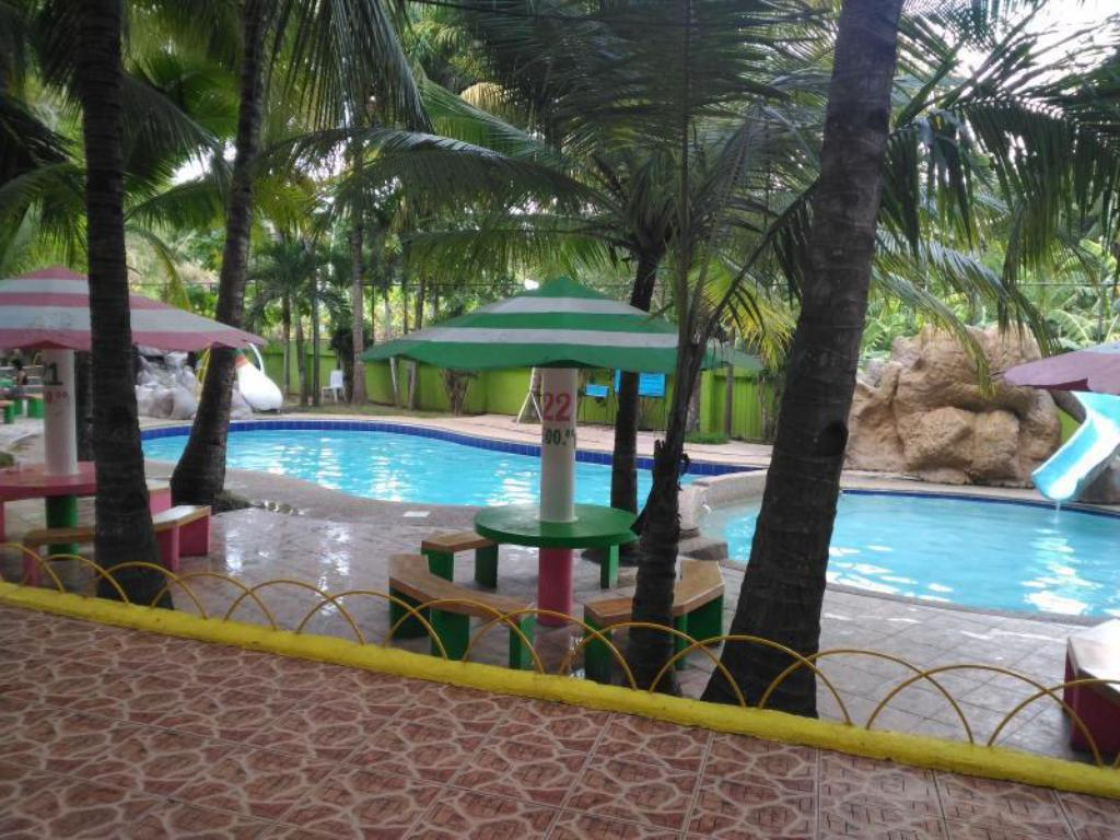 Piscina Tubod Flowing Waters Resort