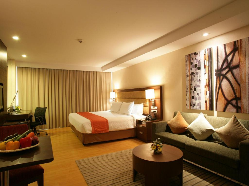 Superior Studio - Guestroom Legacy Suites Hotel Sukhumvit by Compass Hospitality