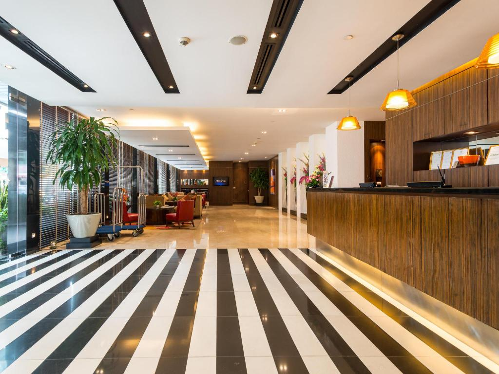 Lobby Legacy Suites Hotel Sukhumvit by Compass Hospitality