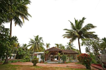 Ieeja Ayurrathna Coir Village Lake Resort