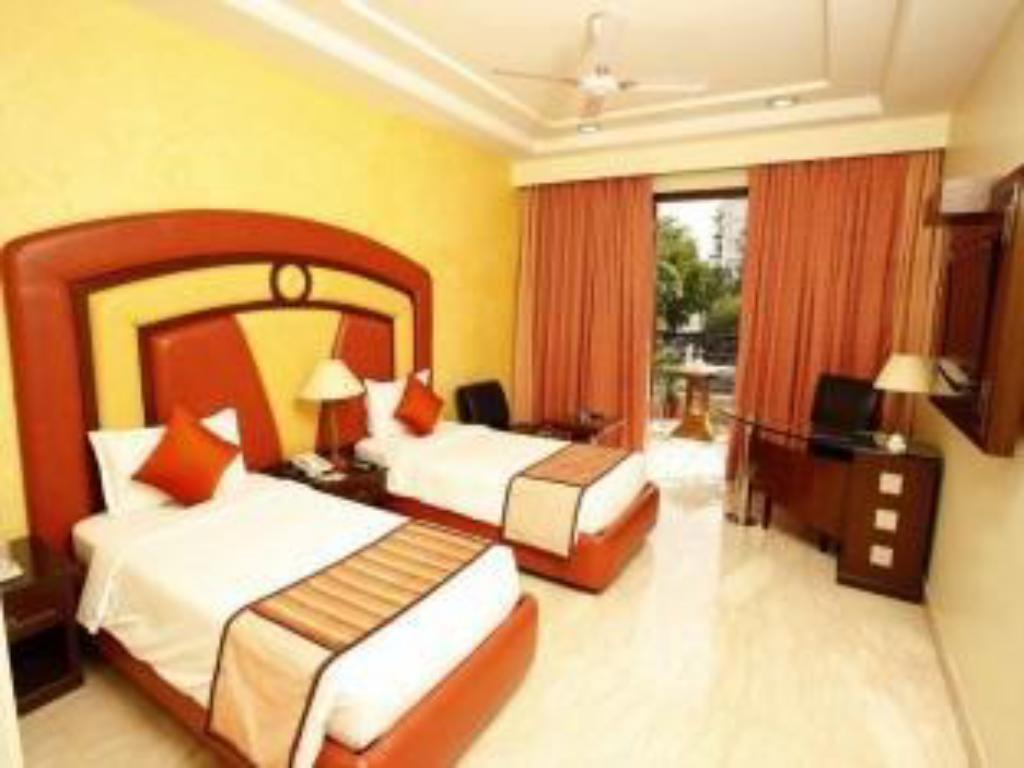 Suite Room - Guestroom Star Grand Villa Hotel