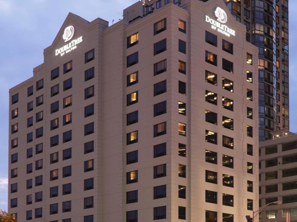 Vedere exterior Doubletree Jersey City Hotel