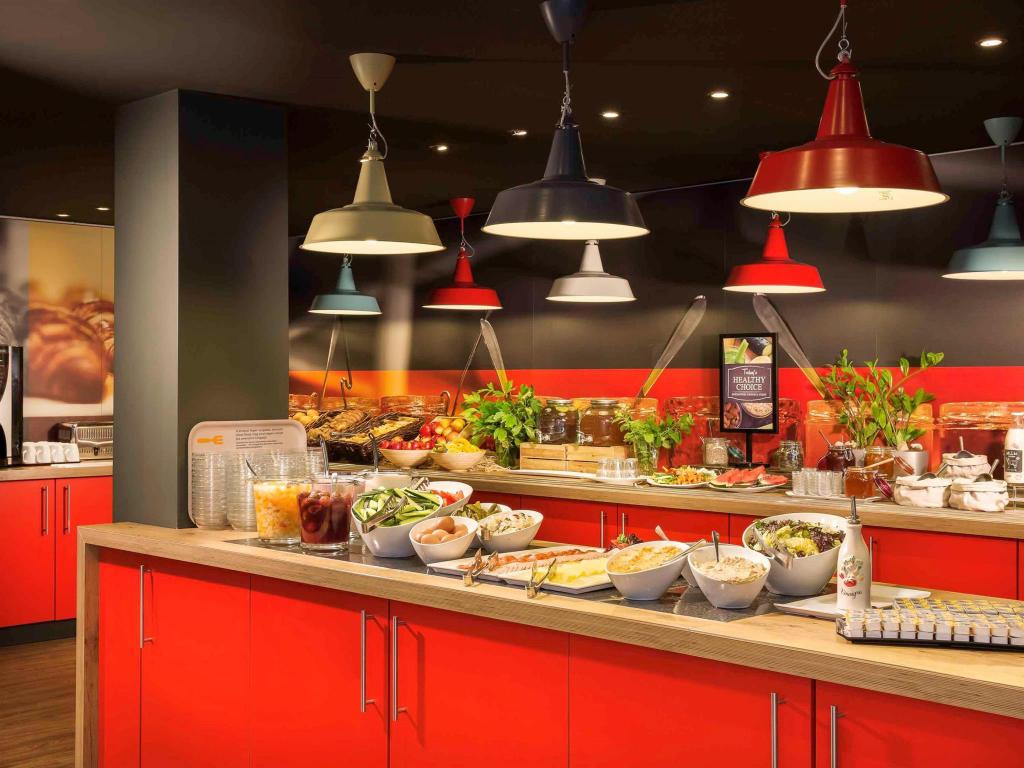 Buffet Ibis Budapest Heroes Square Hotel