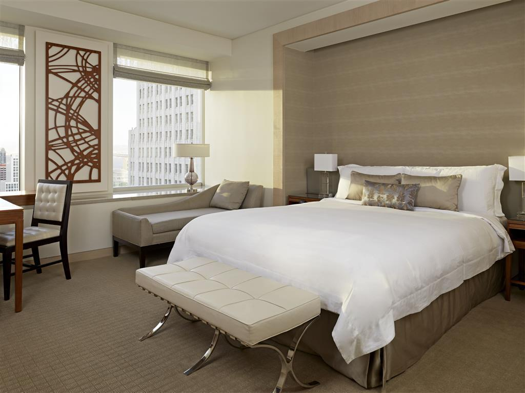 Metropolitan Suite - Guestroom The St. Regis San Francisco