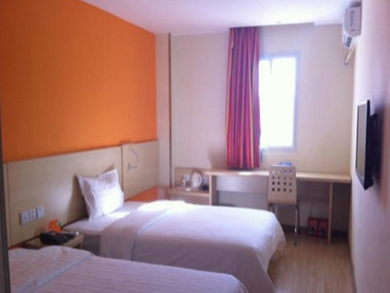 Business Twin Room - Domestic residents only