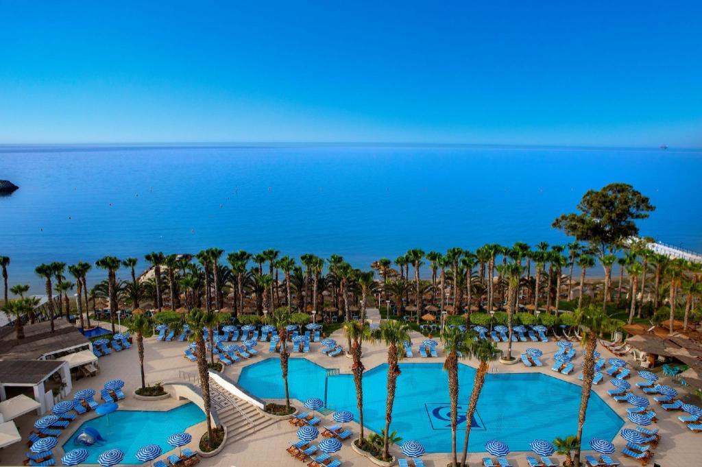 GrandResort Hotel (Limassol) - Deals, Photos & Reviews