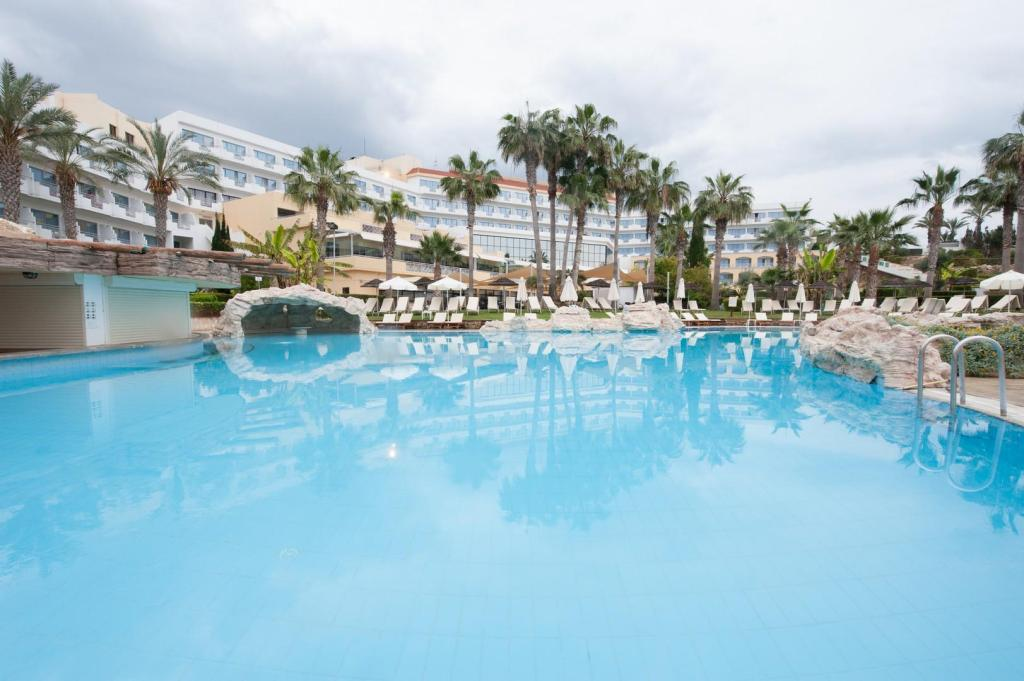 St George Hotel Spa Golf Beach Resort In Paphos Room Deals Photos Reviews