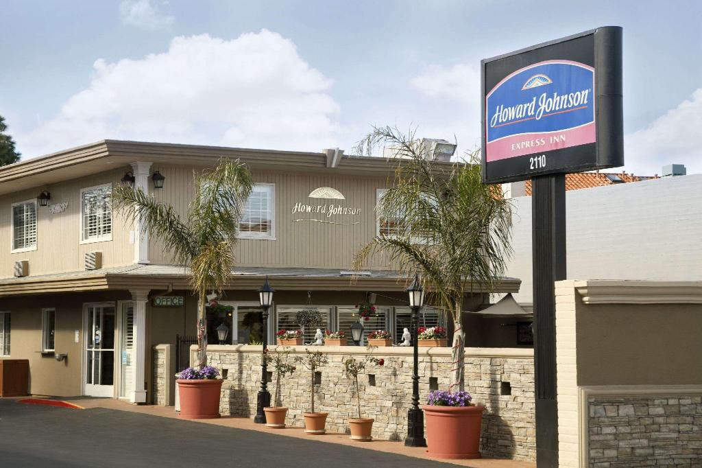 Howard Johnson by Wyndham San Mateo