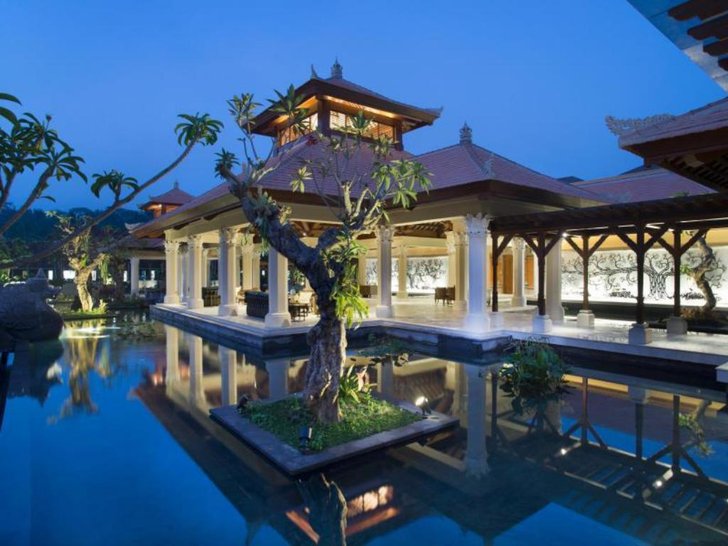 Best price on padma resort ubud in bali reviews for Top hotels in ubud bali