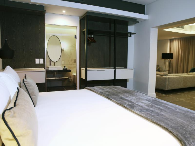 Luxury One Bedroom Suite
