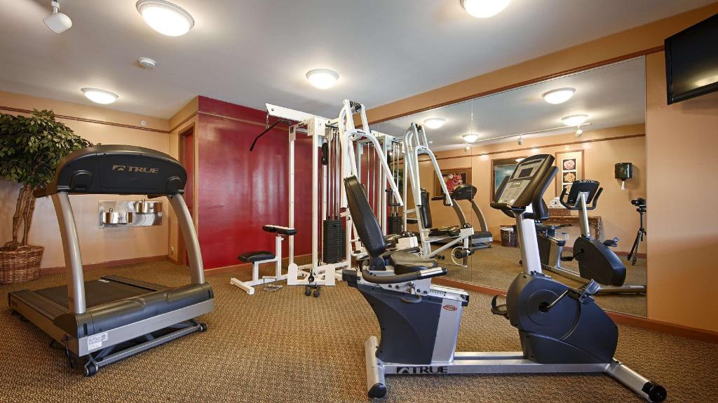 Fitness center Best Western Rose Garden Inn