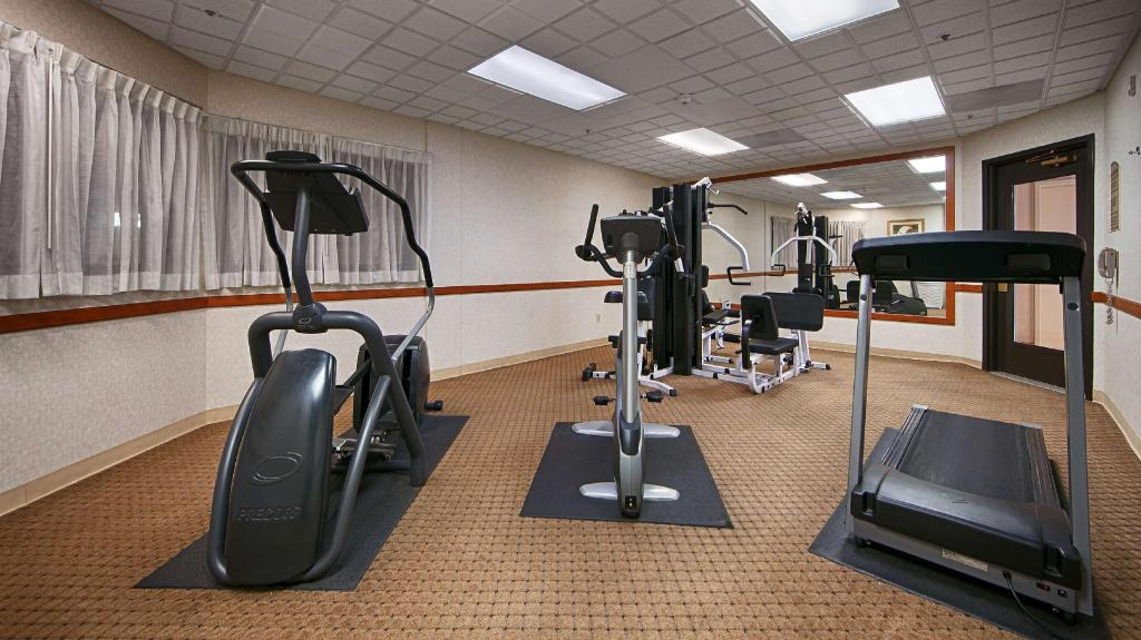 Fitness center Best Western Coyote Point