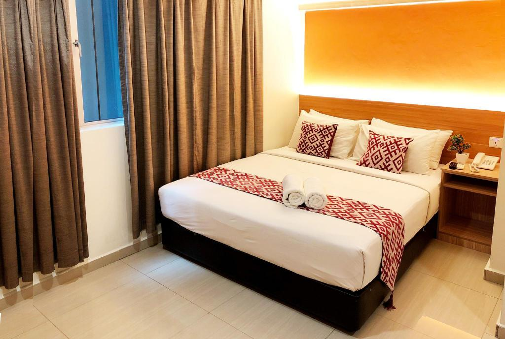 Deluxe Queen Room - Bed Easy Hotel KL Sentral