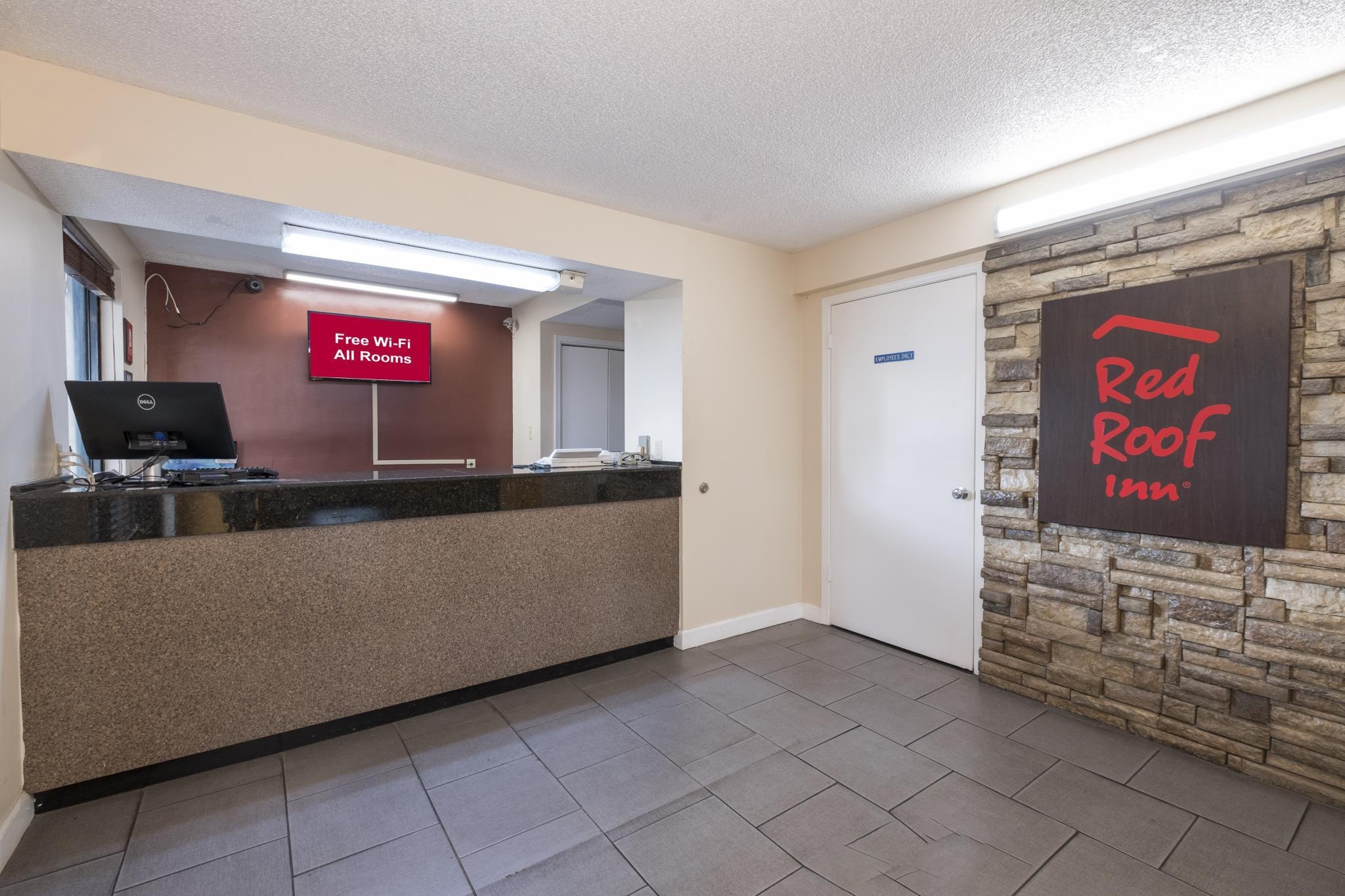 Red Roof Inn Mobile   Midtown. See More Photos. Lobby