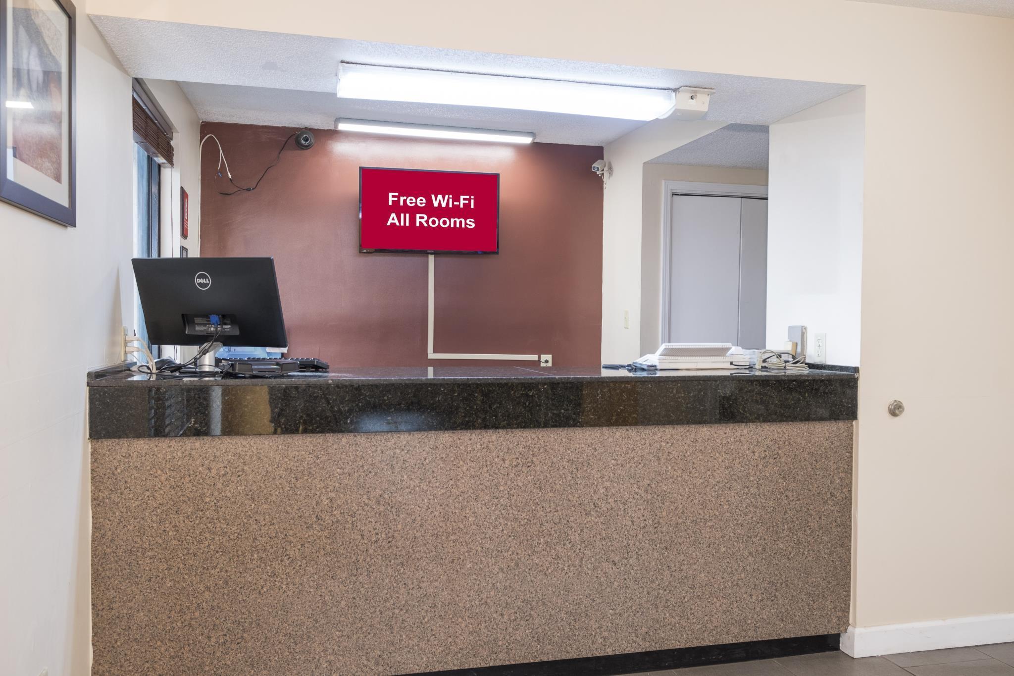 Best Price On Red Roof Inn Mobile   Midtown In Mobile (AL) + Reviews