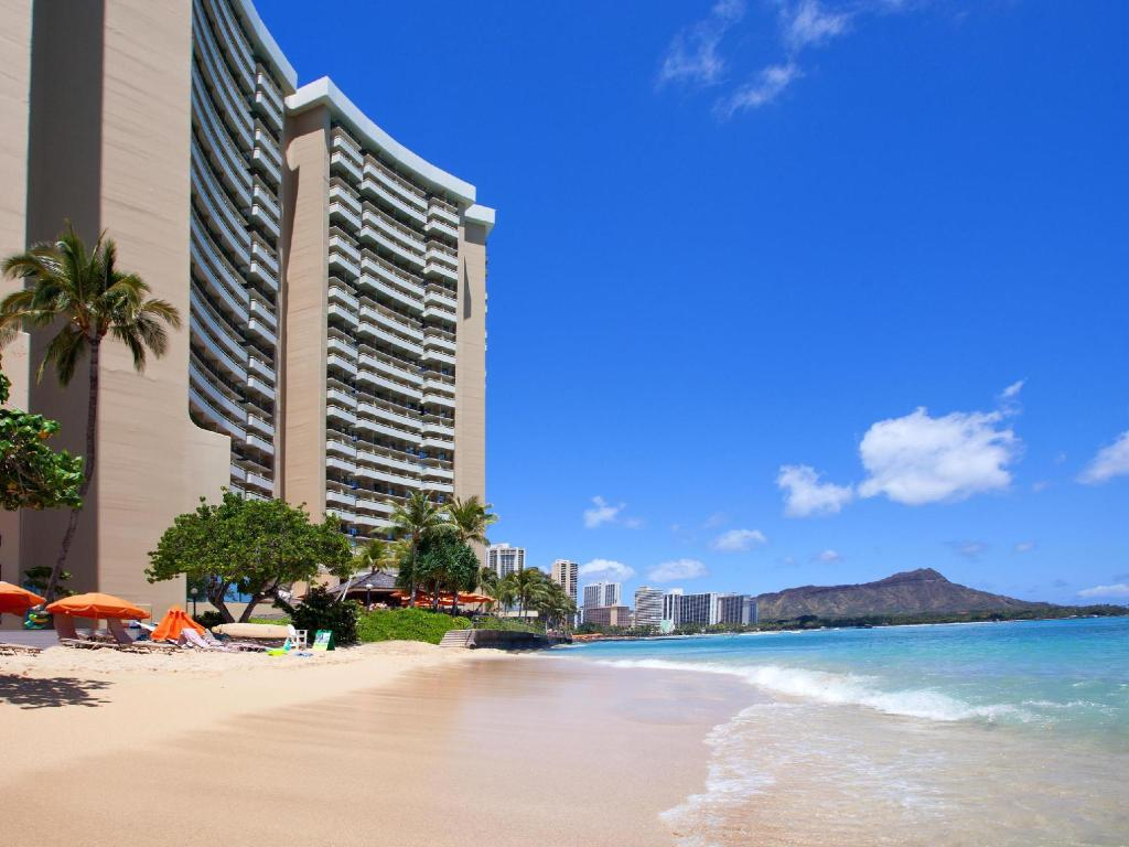 sheraton waikiki in oahu hawaii room deals photos reviews. Black Bedroom Furniture Sets. Home Design Ideas