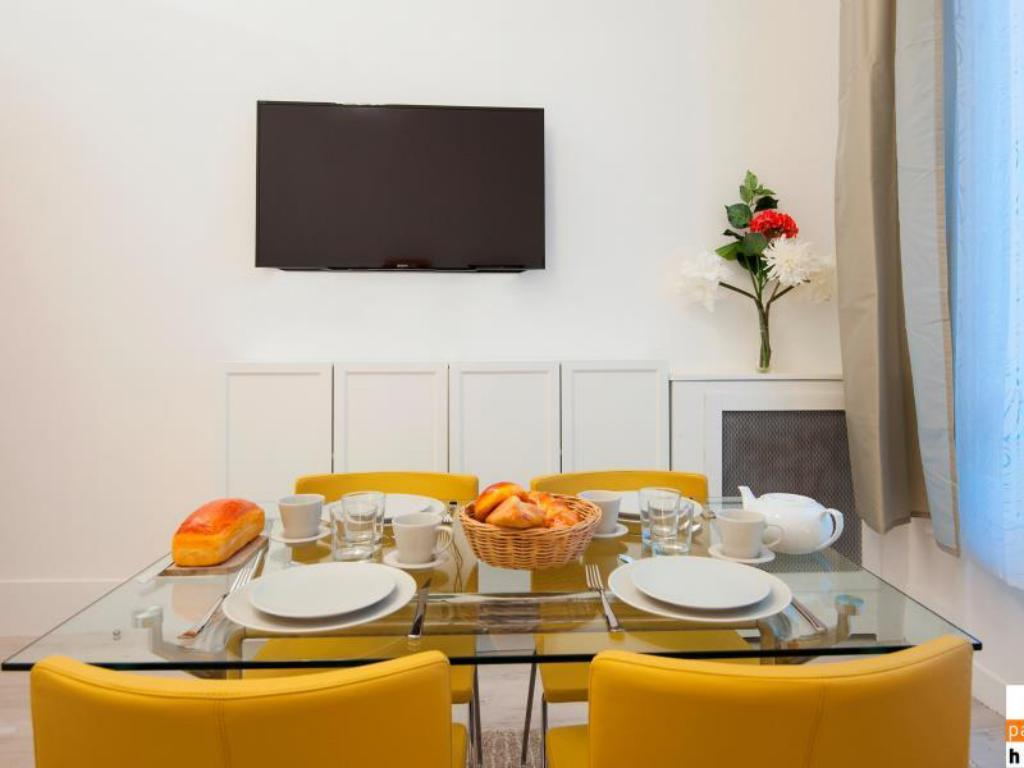 Interior view Parisian Home Apartments Champs Elysees 2