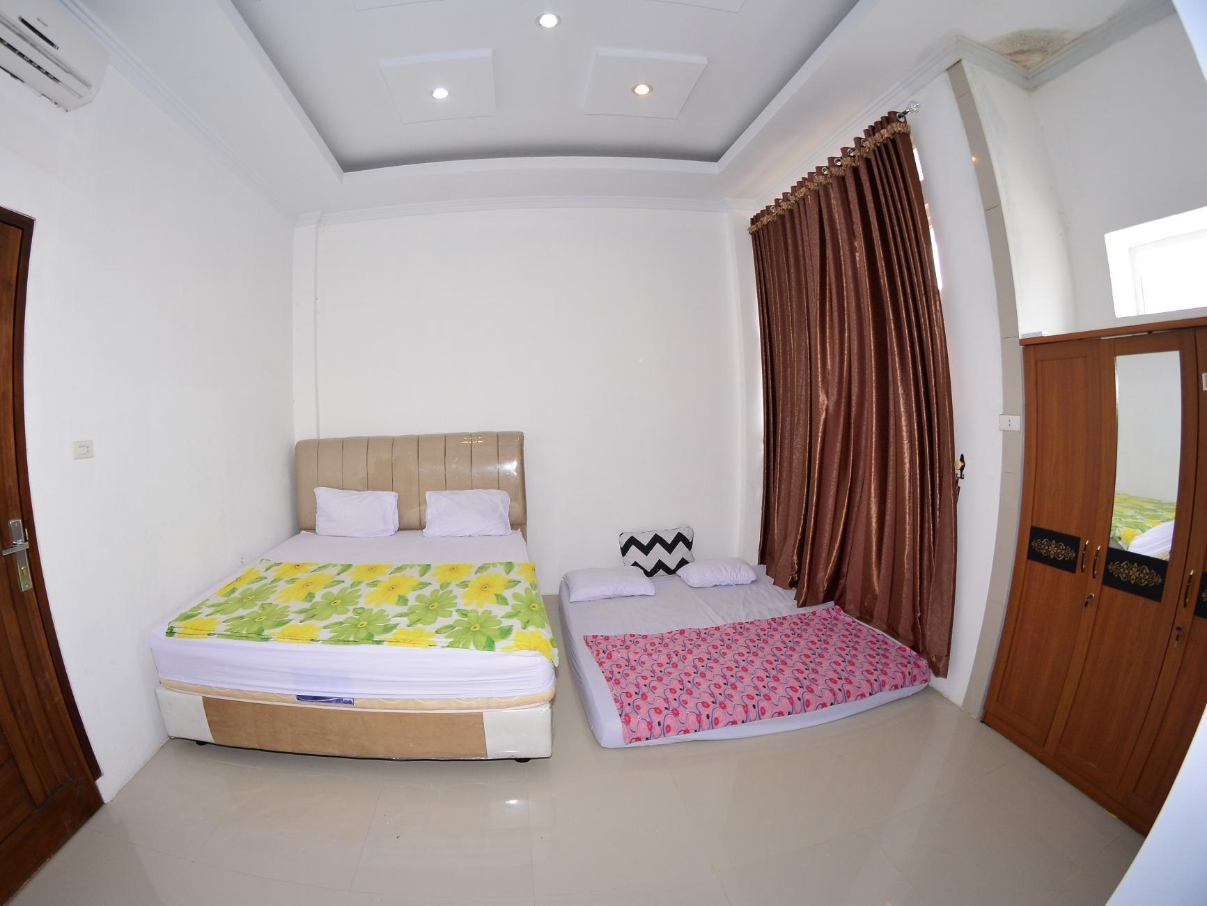 Kamar Family (Family Room)