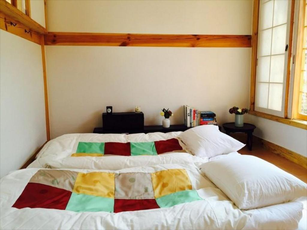 Hanok Guesthouse Mon Oncle A Seoul Guesthouse Bed And Breakfast Deals Photos Reviews