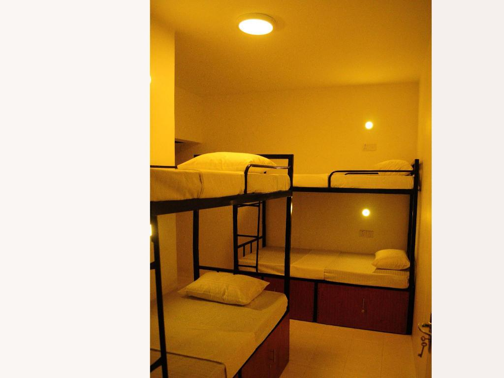 Bed in 4 Bed Mixed dormitory - Guestroom Hostel at Galle Face- Colombo