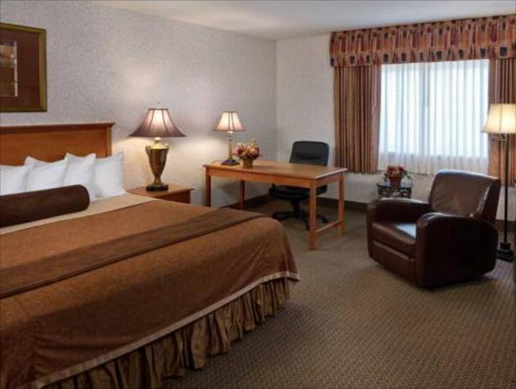 King Room Guestroom Best Western Plus Ramkota Hotel