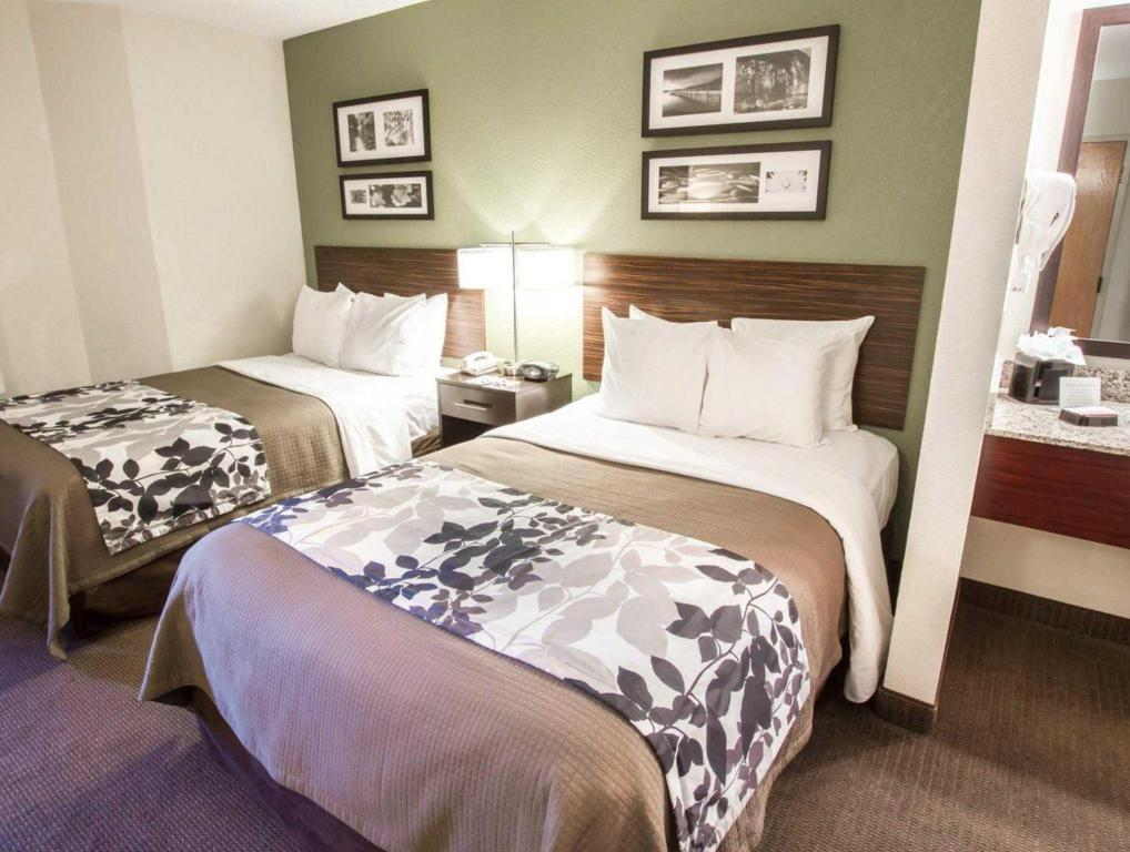 2 Double Beds Nonsmoking Sleep Inn at North Scottsdale Road