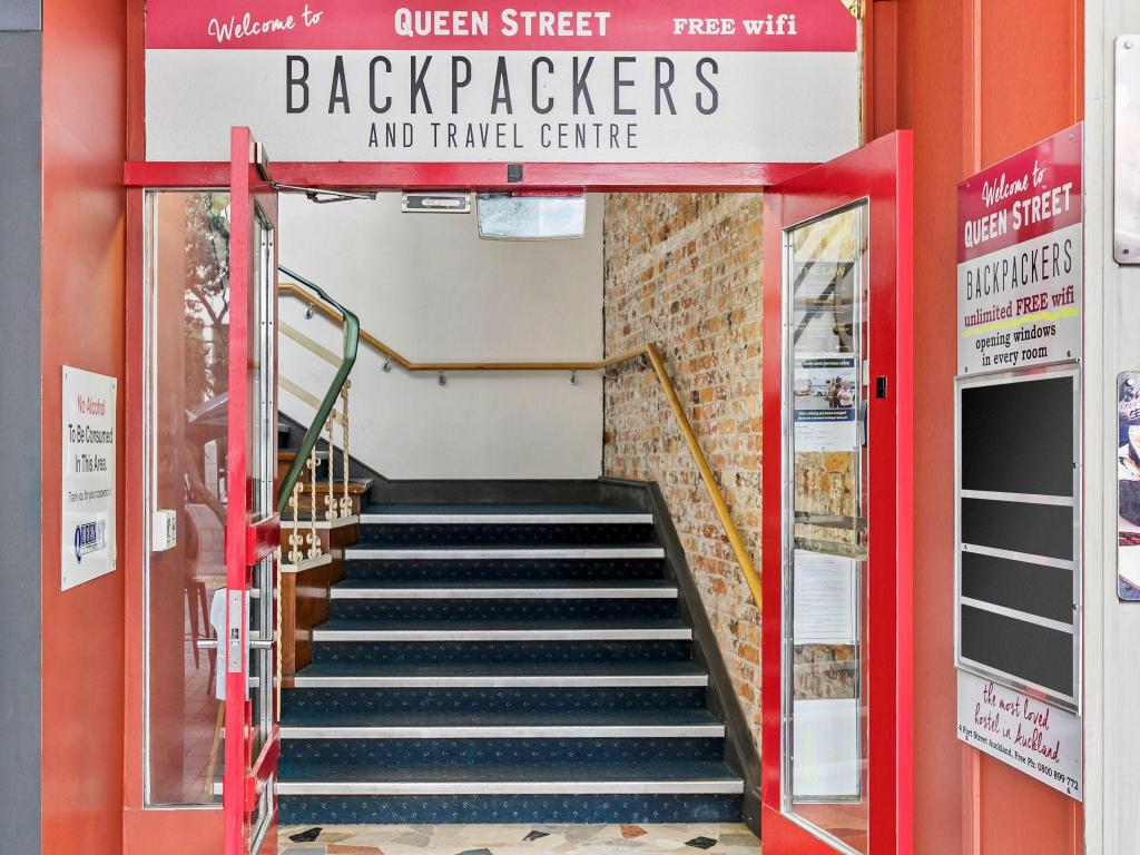 Tempat Masuk Queen Street Backpackers