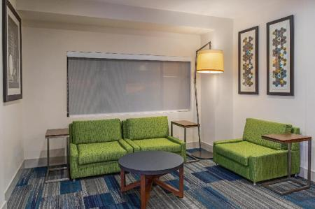 Viesnīcas interjers Holiday Inn Express and Suites Phoenix Tempe - University