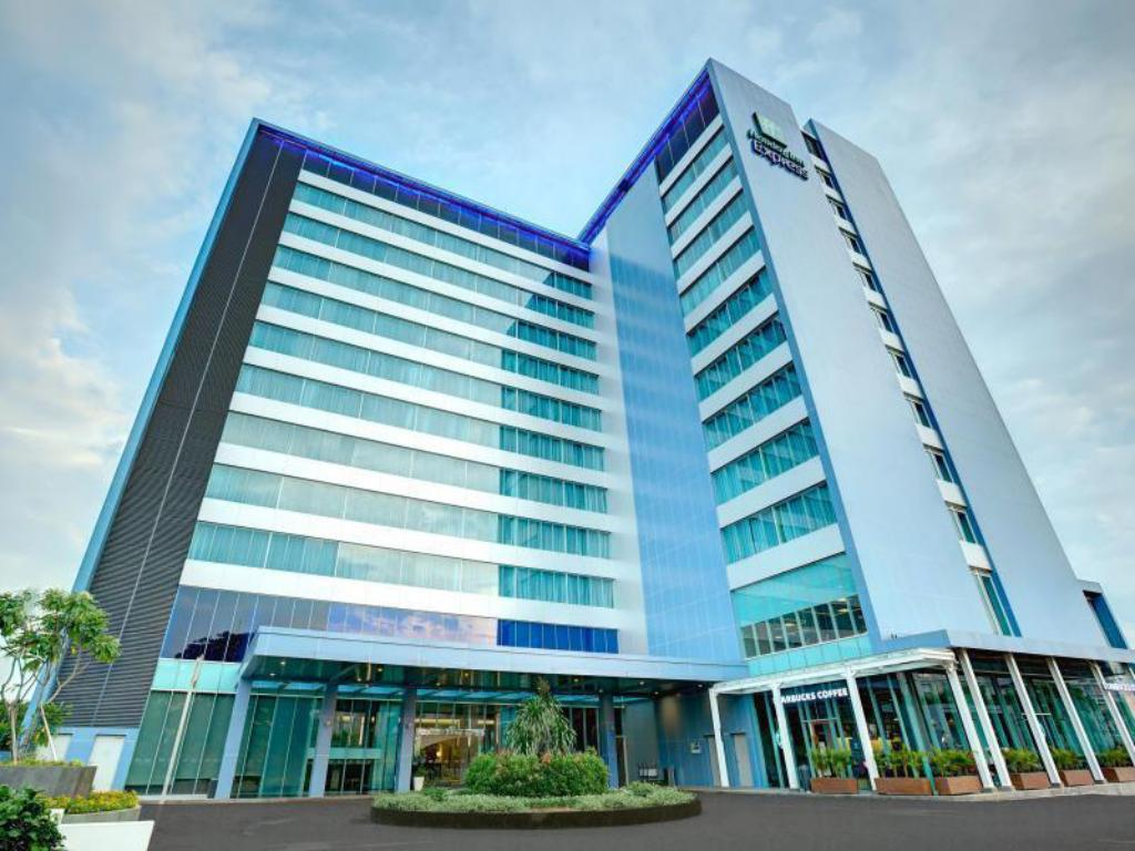More about Holiday Inn Express Jakarta International Expo