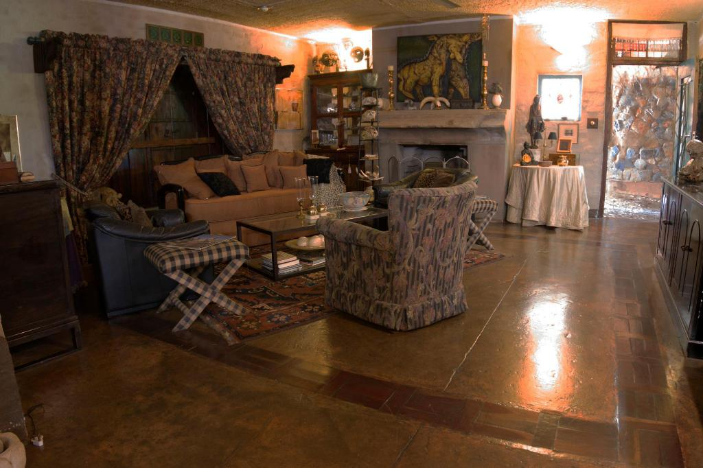 Lobby River House Lodge