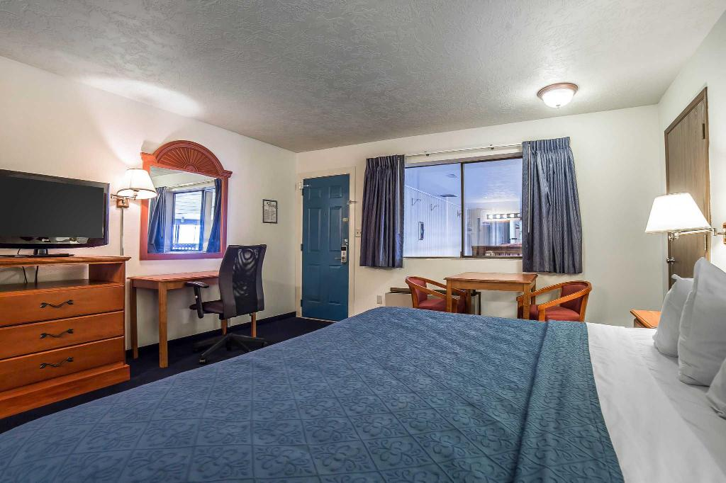 Queen Room - Non-Smoking - Guestroom Quality Inn Sandpoint