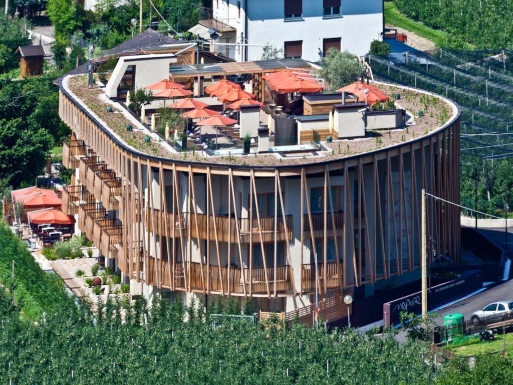 Napura art e design hotel in bolzano room deals photos for A for art design hotel