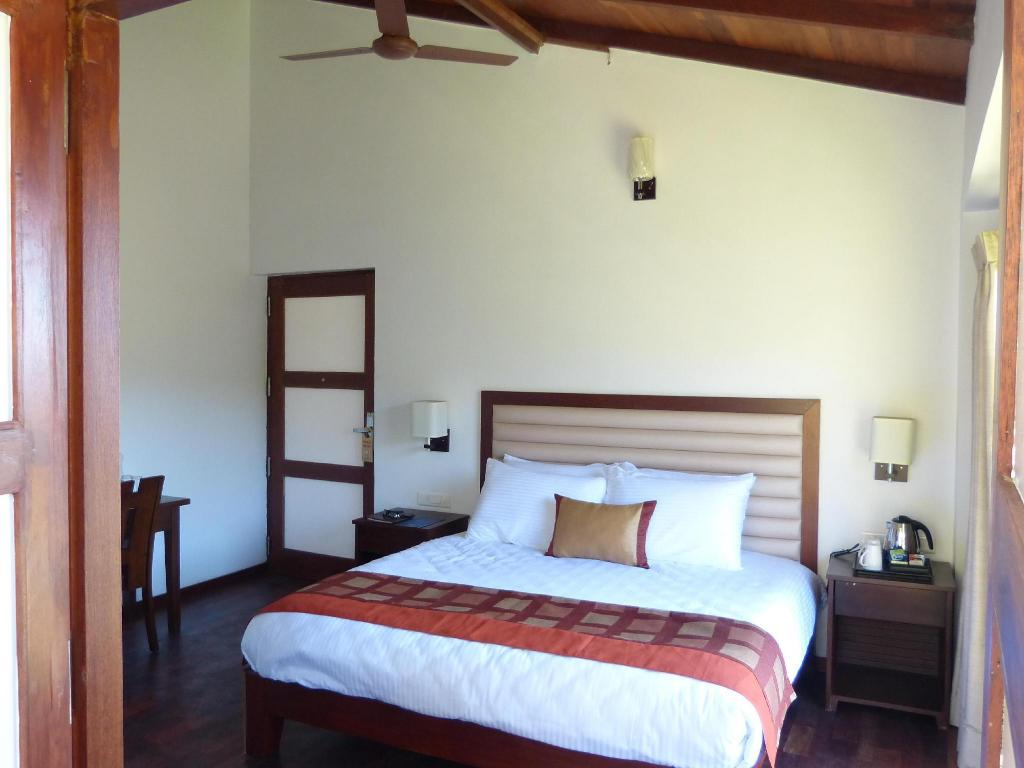 Valley View Room - Bed Great Trails Kodaikanal By GRT Hotels