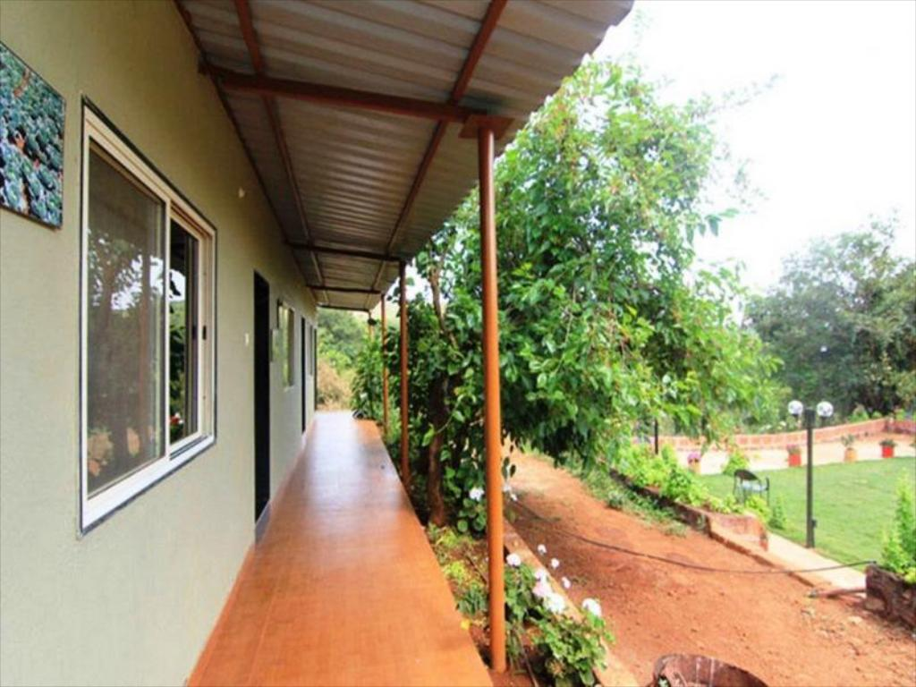 Best Price on Garden Cottage And Lawn in Mahabaleshwar + Reviews!