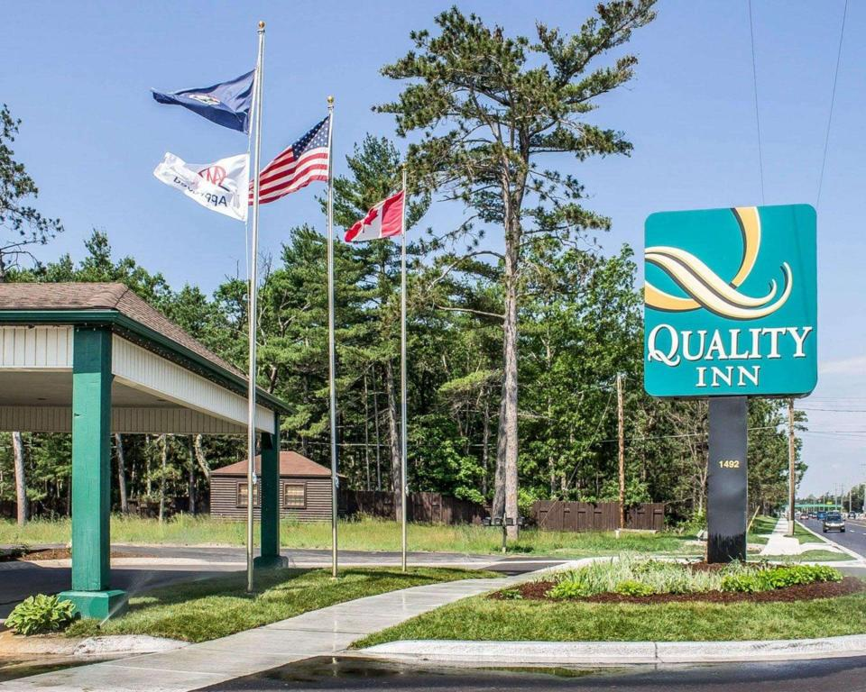Quality Inn By the Bay Traverse City