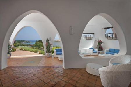 Vista interior Hotel Romazzino, a Luxury Collection Hotel, Costa Smeralda