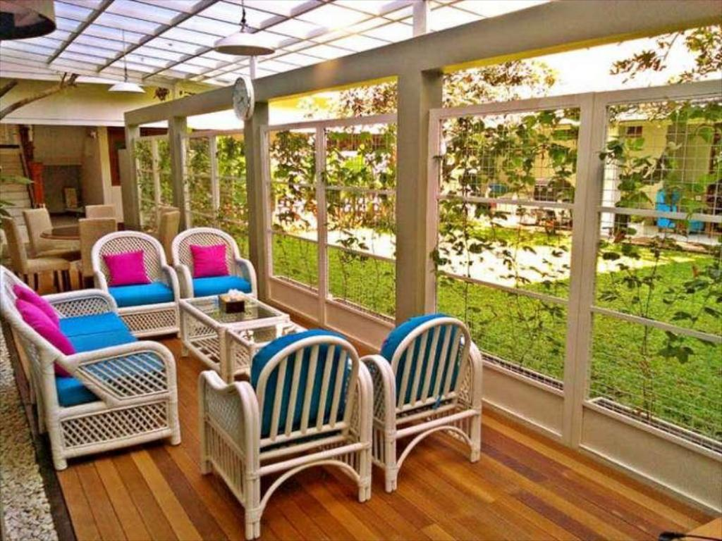 Travelers Inn Bandung in Indonesia - Room Deals, Photos & Reviews