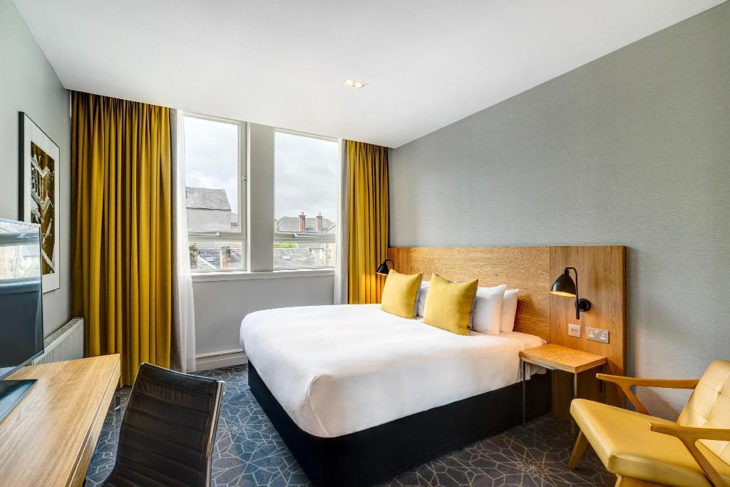 City Double Room - View Apex Grassmarket Hotel