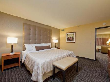Standarta Suite numurs Best Western Plus Scottsdale Thunderbird Suites