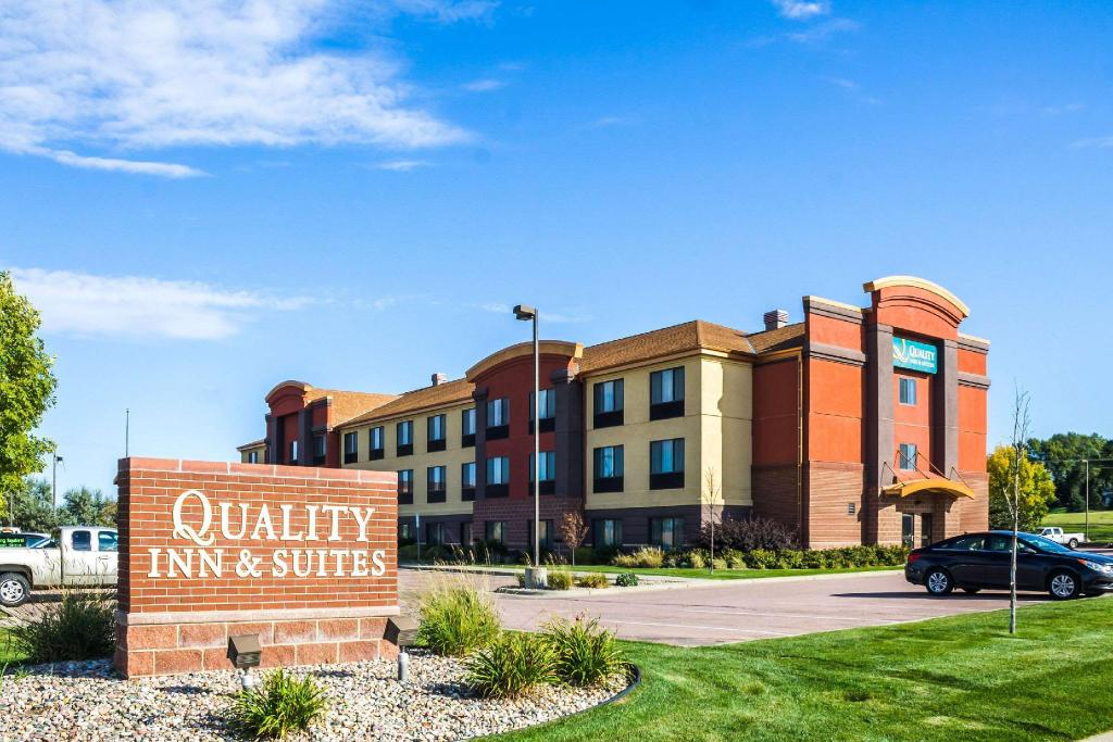 Quality Inn & Suites Airport North