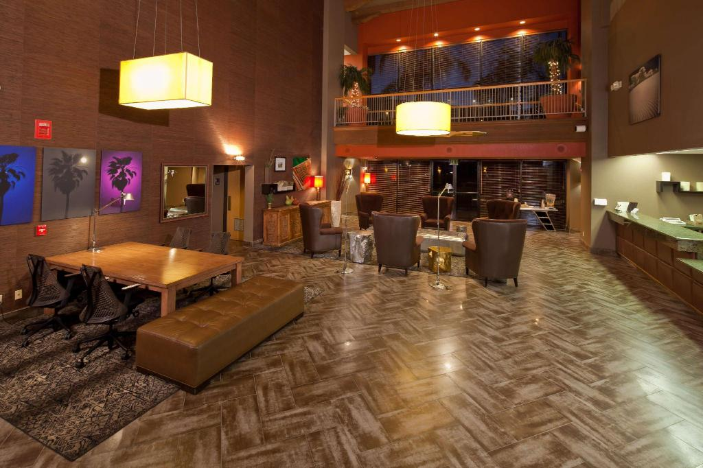 Lobby Best Western Plus Scottsdale Thunderbird Suites