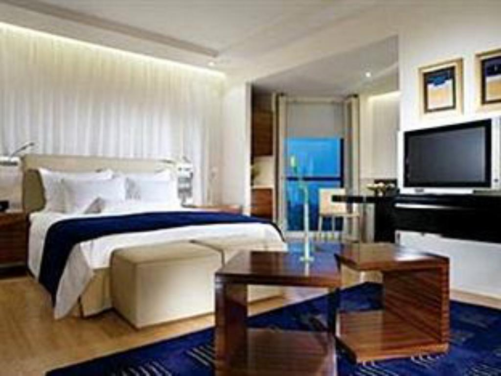 Club lounge access, 1 Bedroom Suite, 1 King - Quarto de hóspedes The Ritz-Carlton, Bahrain